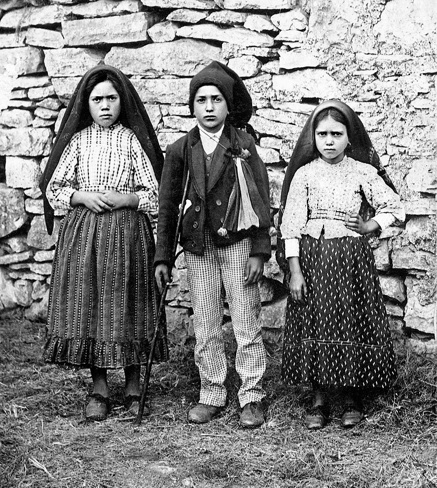 Imagem extraída do arquivo original de Fátima, em  https://www.fatima.pt/pt/multimedia/images/pastorinhos