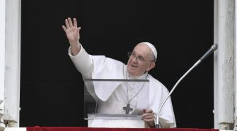 Papa no Angelus de 08/08/2021 (imagem: Vtican News)